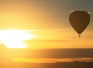 Ballonvaren zomer avond zonsondergang